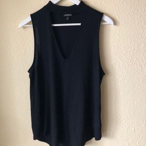 High-neck tank with cut out